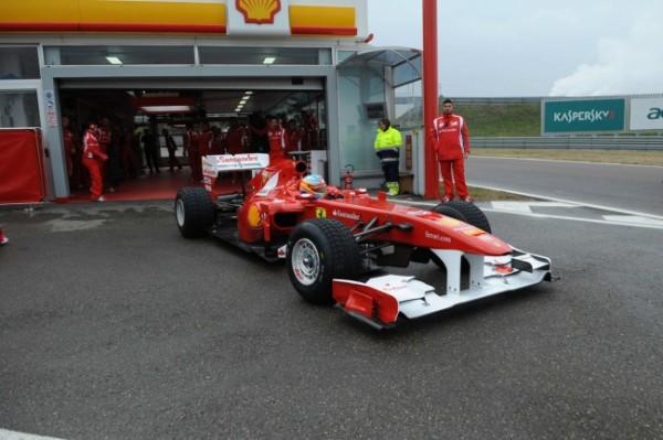 Ferrari_combustible_Fernando_Alonso