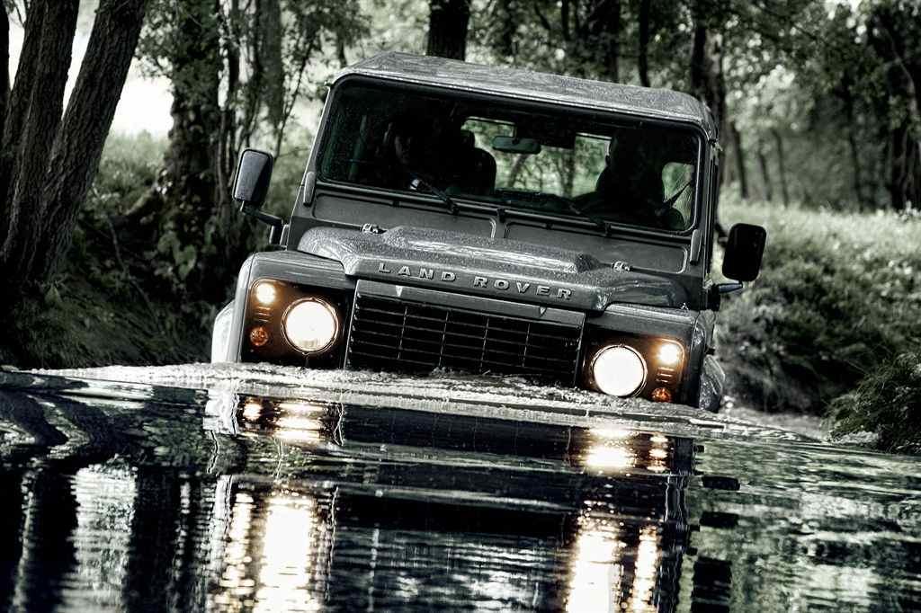 Land Rover Defender 2012 – 6101