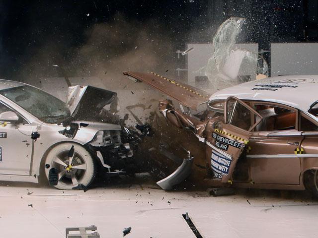son los coches antiguos tan seguros como los modernos
