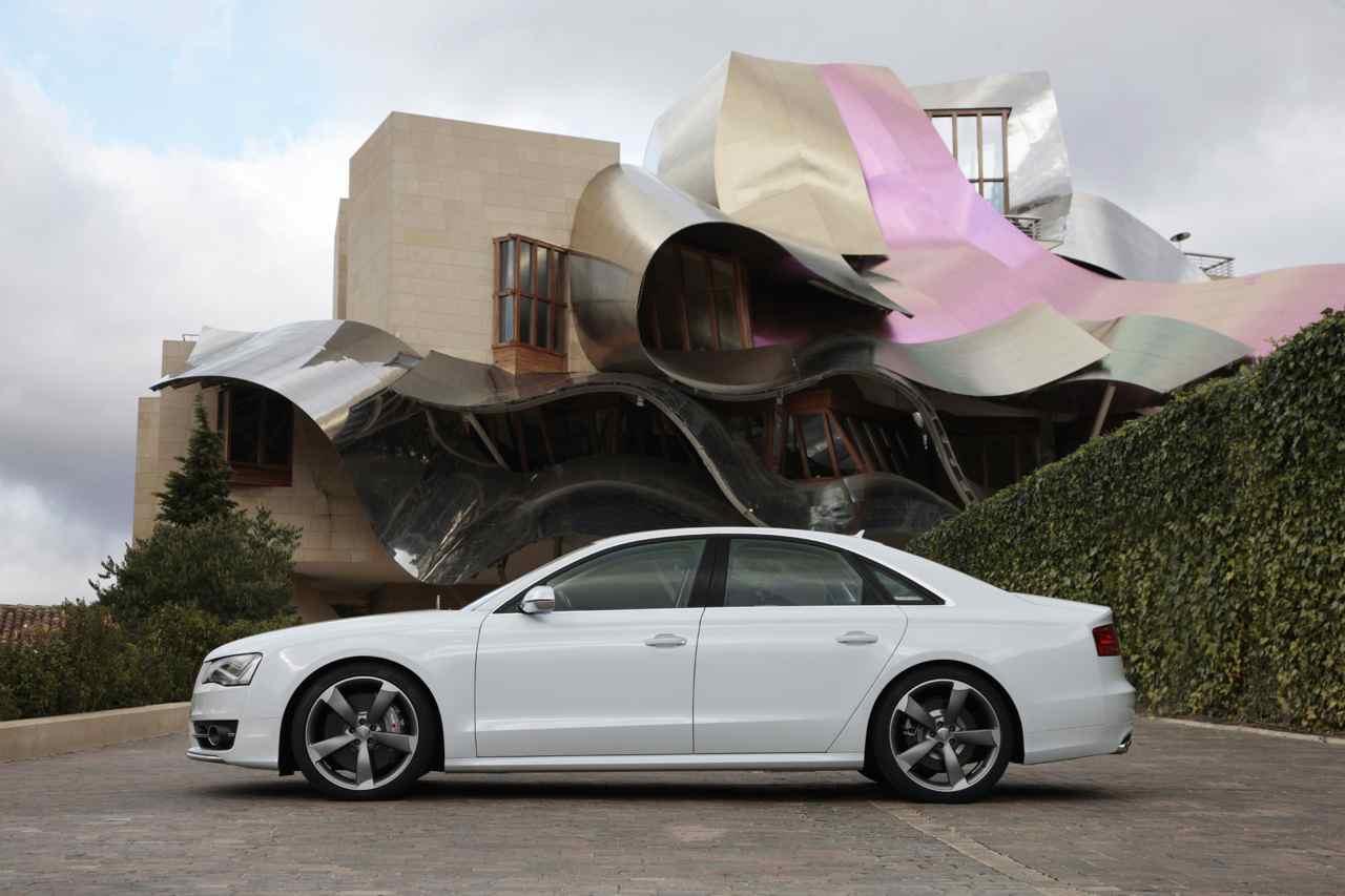 Audi S8 2012 – 7896
