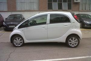 El Peugeot iOn ha sido el modelo elegido por Aena