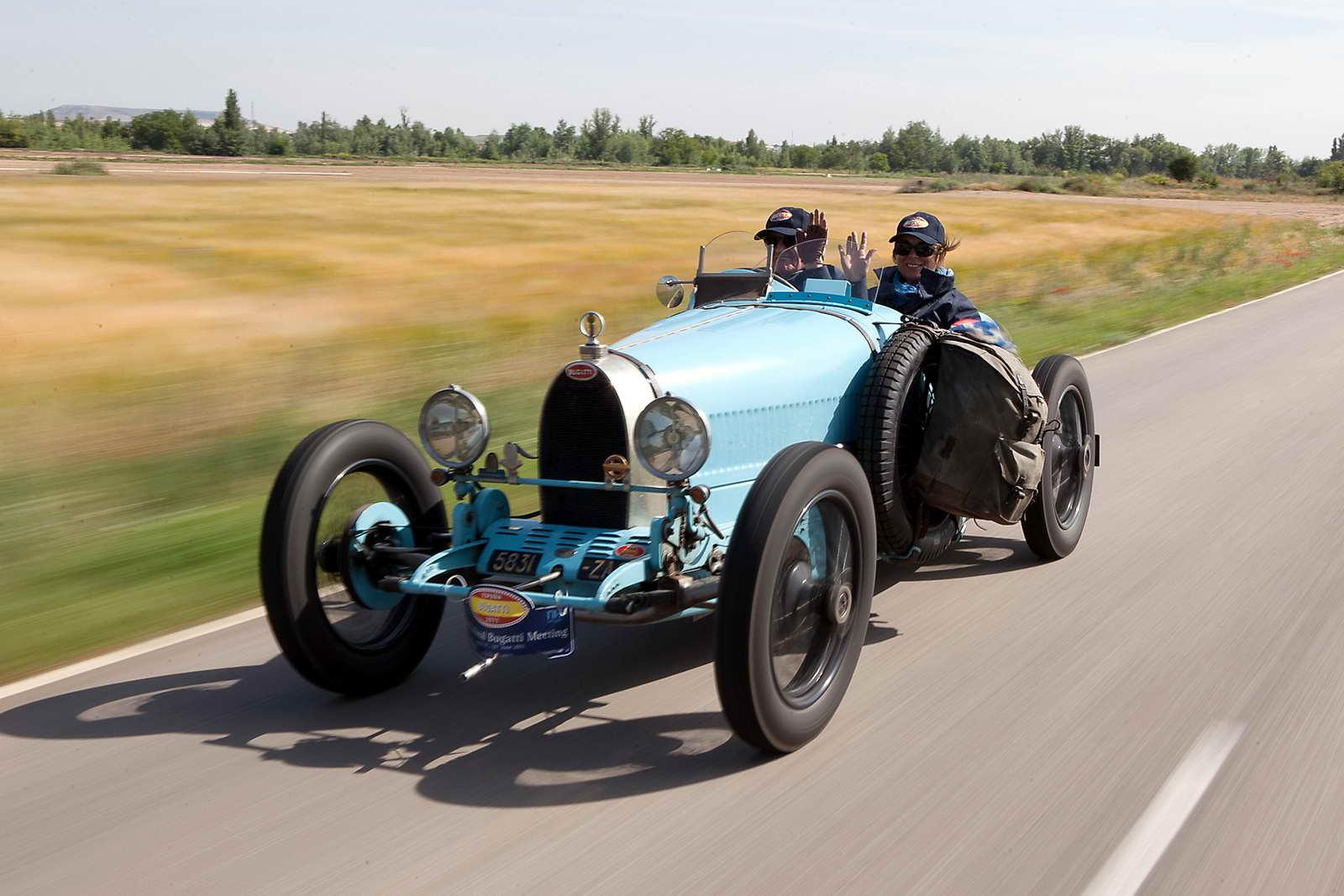 International_Bugatti_Meeting_2011_04