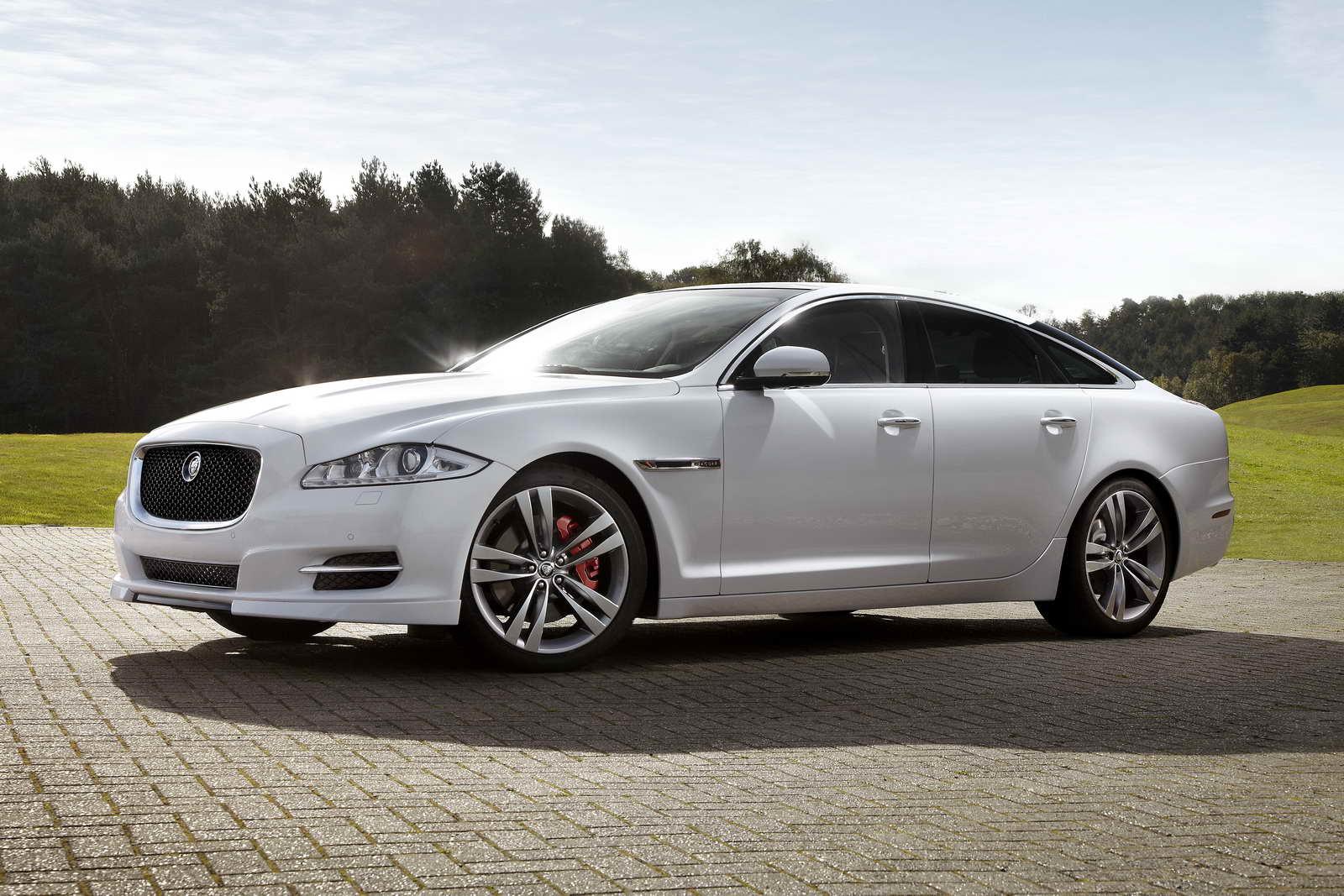 Jaguar_XJ_sport_speed_pack_01