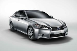 Lexus GS 450h, uno de los modelos que se lanzarán el próximo año...