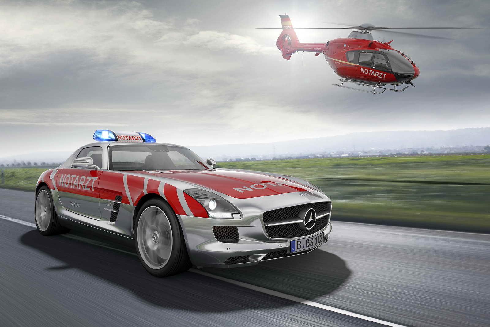 Mercedes_Benz_SLS_AMG_01