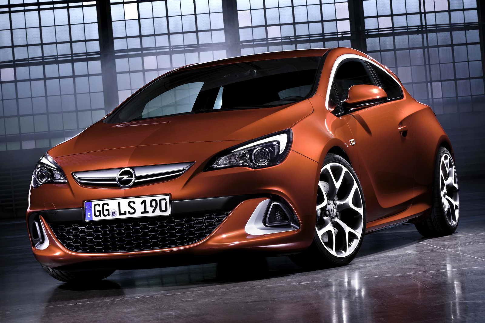 Opel_Astra_GTC_OPC_01