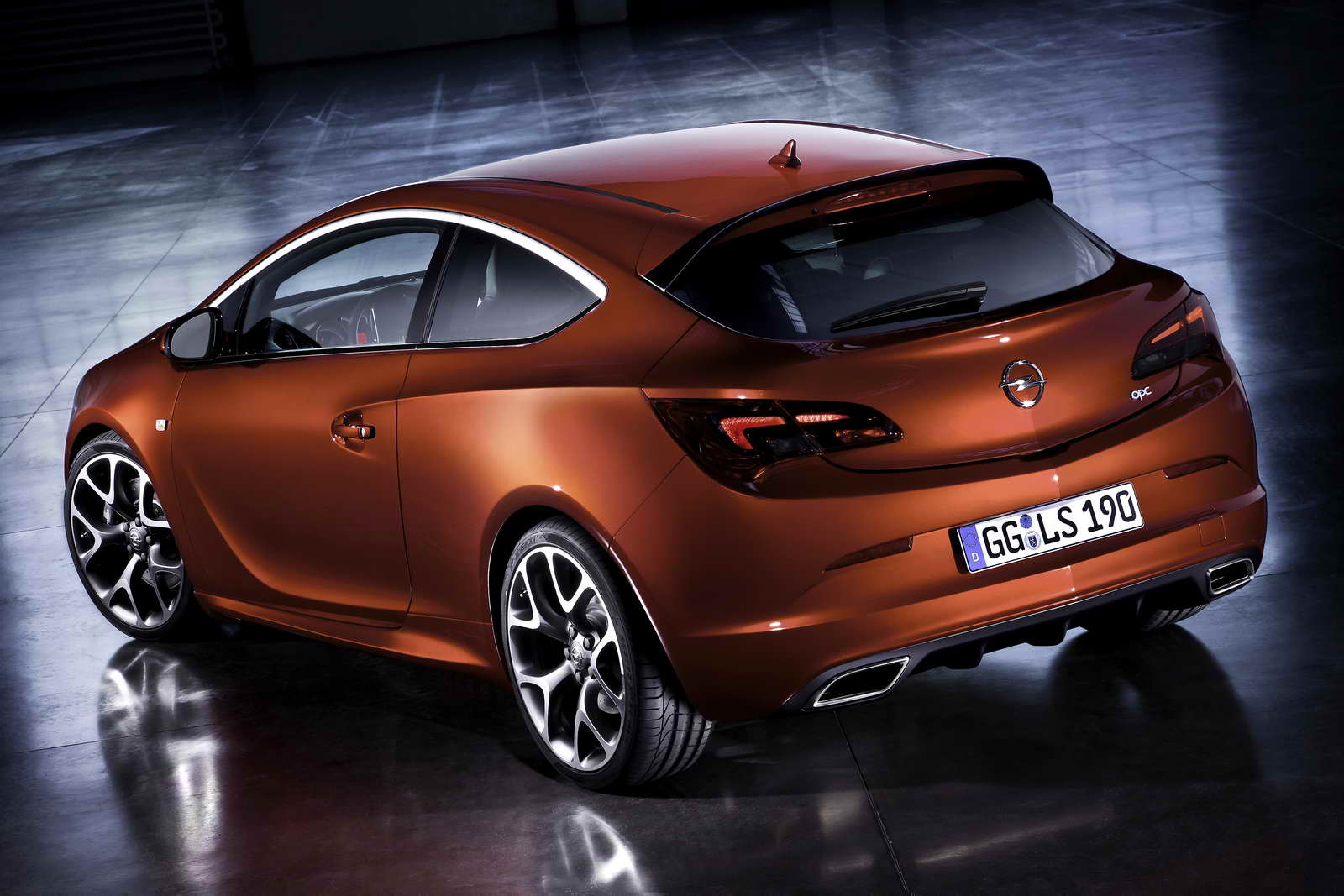 nuevo opel astra gtc opc. Black Bedroom Furniture Sets. Home Design Ideas