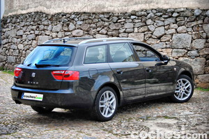 En esta vista observamos claramente como el Exeo está basado en la anterior generación del Audi A4
