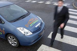 La CE quiere introducir un sistema audible que indique que se está aproximando un vehículo eléctrico o híbrido