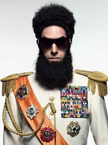 """Sacha Baron Cohen caracterizado como """"El Dictador"""""""