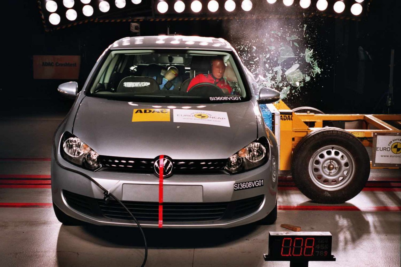VW-Golf-EuroNCAP-2