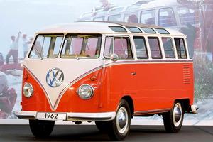 Volkswagen Bully original sobre la que se ha basado LEGO para su recreación
