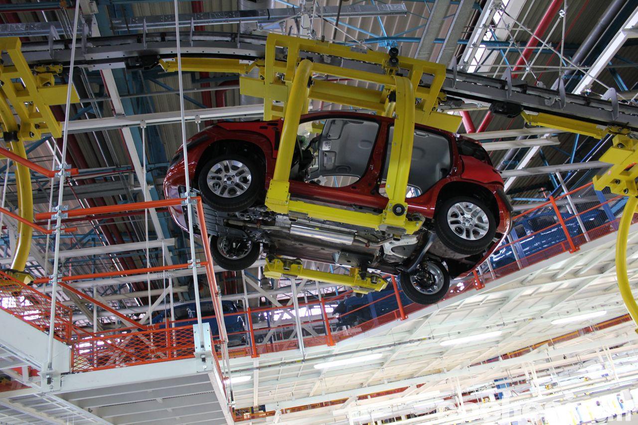 Cuántas fábricas de coches sobran en Europa?