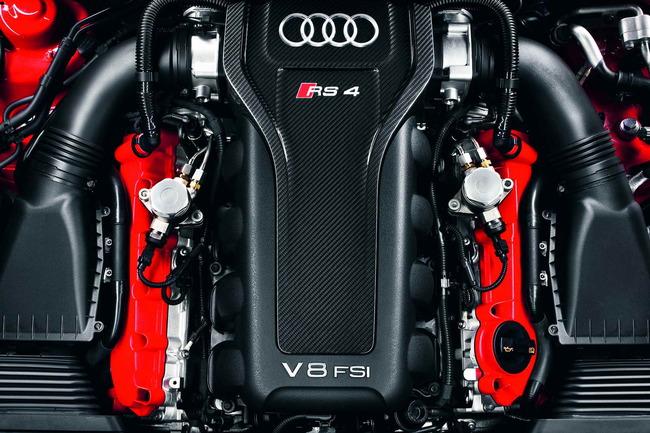 El poderoso V8, con tecnología FSI, y 450 CV de potencia