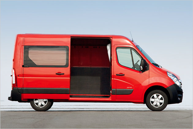 opel movano tras los pasos de la renault master. Black Bedroom Furniture Sets. Home Design Ideas