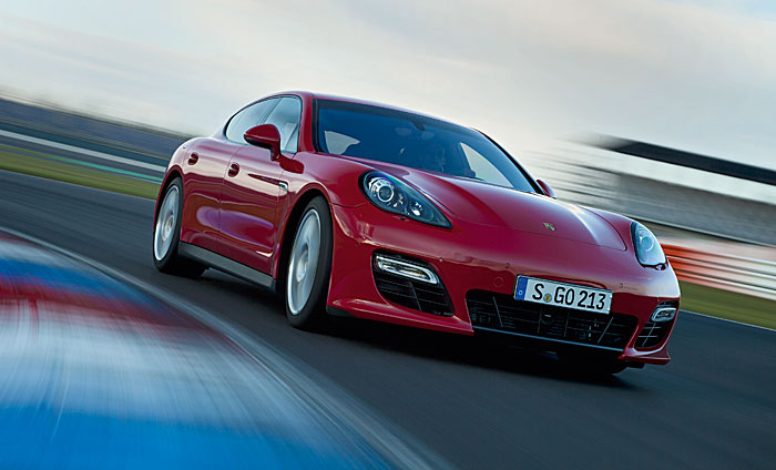 Porsche Panamera GTS 16