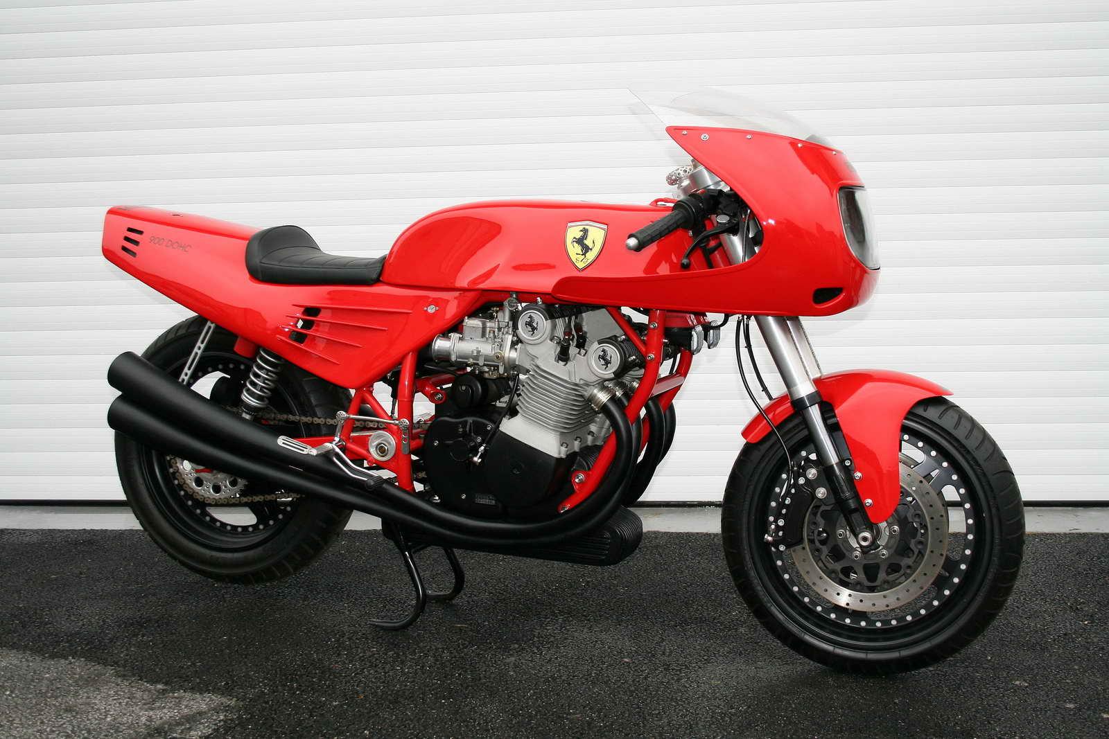 Ferrari_900_01