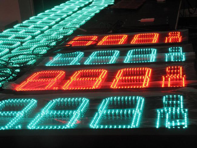luces led precio gasolina