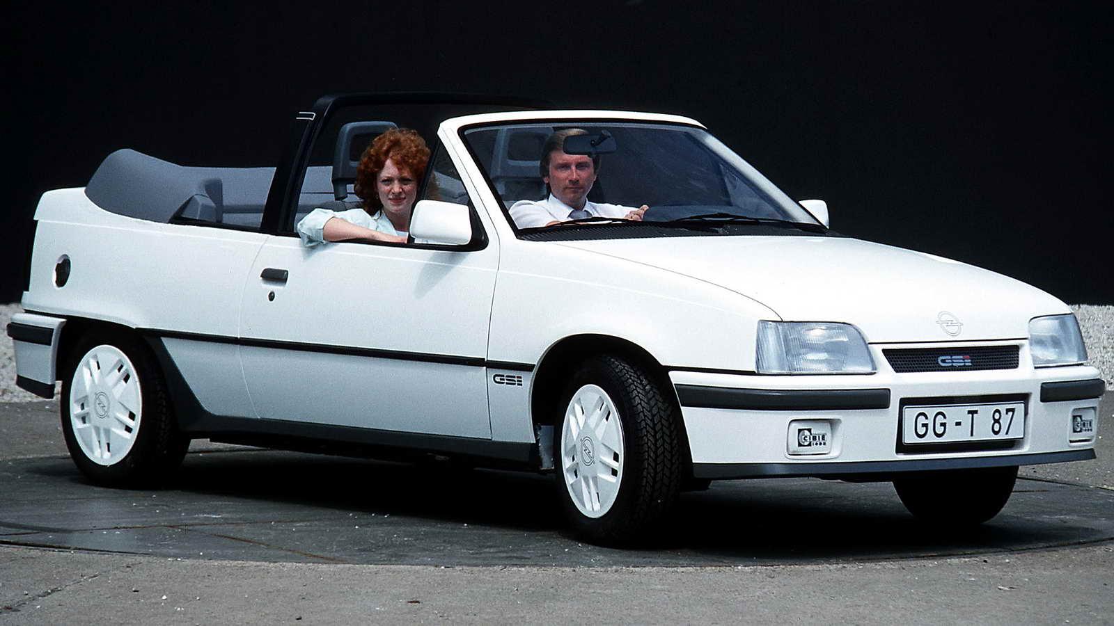 Bertone un siglo dise ando autom viles 2 2 for Opel kadett e interieur