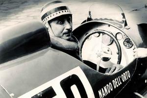 """El """"gentleman driver"""" Nando Dell'Orto también compitió con el """"Arno XI"""""""
