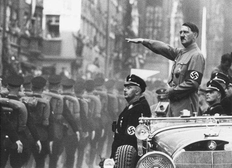 Hitler coche