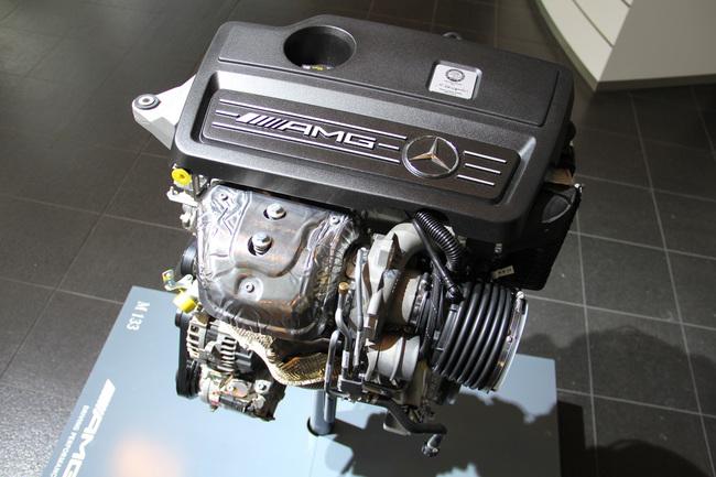Mercedes_Clase_A_45_AMG_16