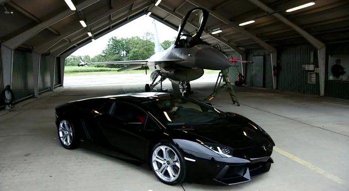 Lamborghini_Aventador_vs_F16_avion