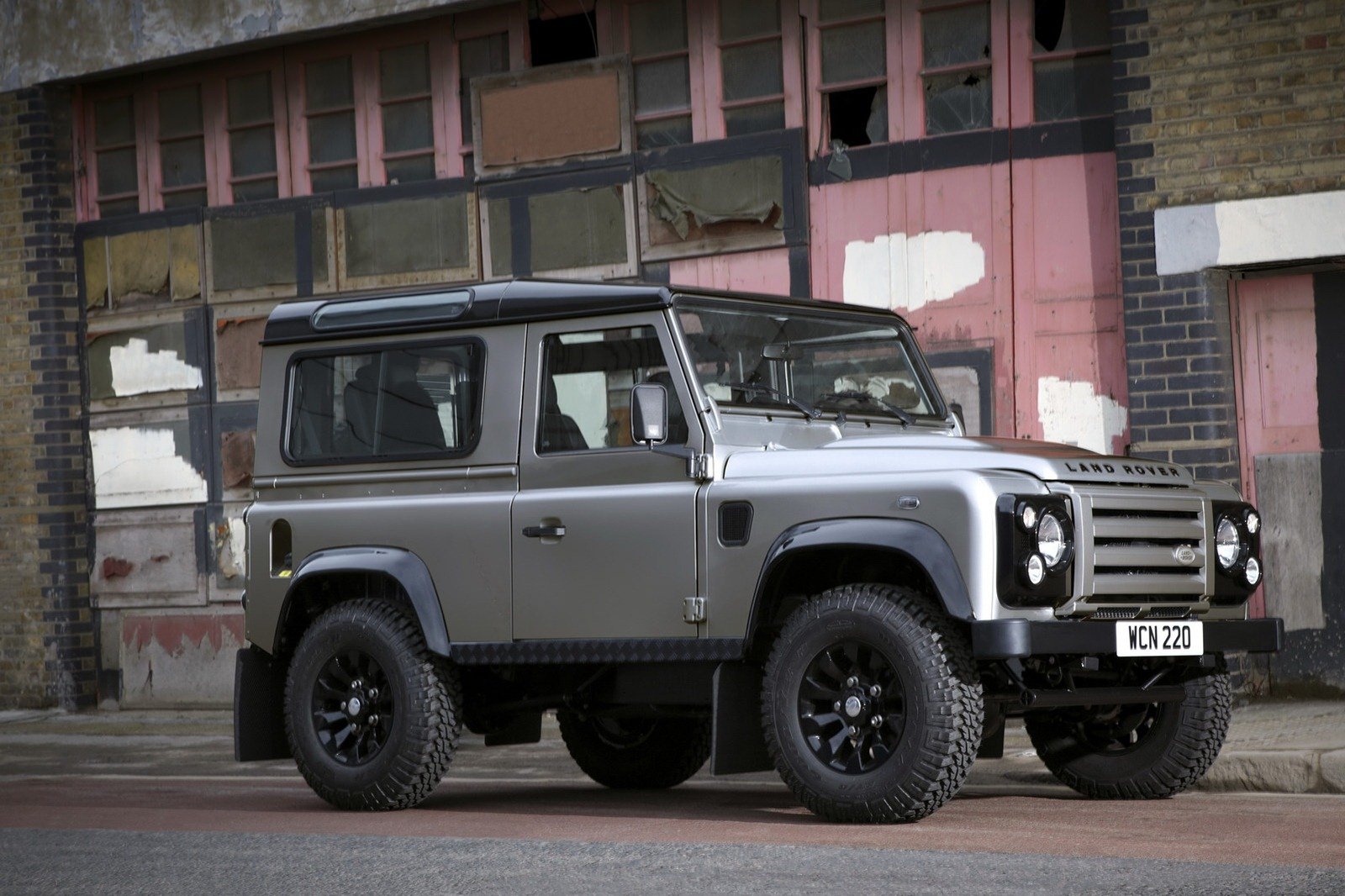 land rover defender xtech el ltimo mohicano. Black Bedroom Furniture Sets. Home Design Ideas
