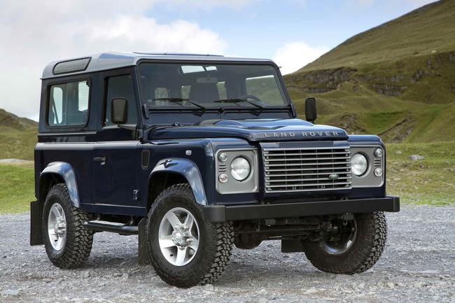 Land_Rover_Defender_2013_14