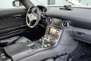 Interior del Safety Car de la Fórmula 1: el nuevo Mercedes-Benz SLS AMG GT