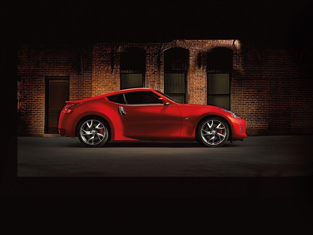 Nissan_370_2013_7
