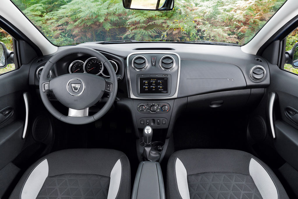 dacia sandero stepway 2013 m s calidad interior. Black Bedroom Furniture Sets. Home Design Ideas