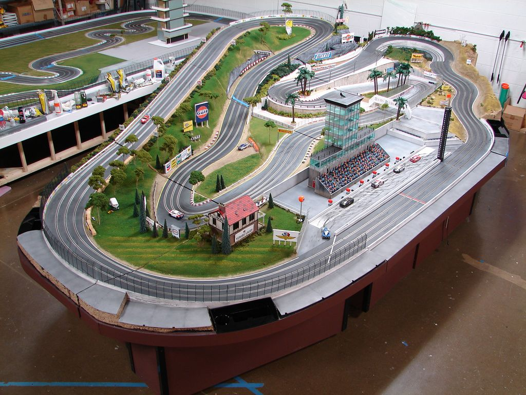 3d Printed Slot Car Chassis further 2689526 likewise Watch furthermore Thomas And Friends Trackmaster Layout moreover 52808. on slot car track building