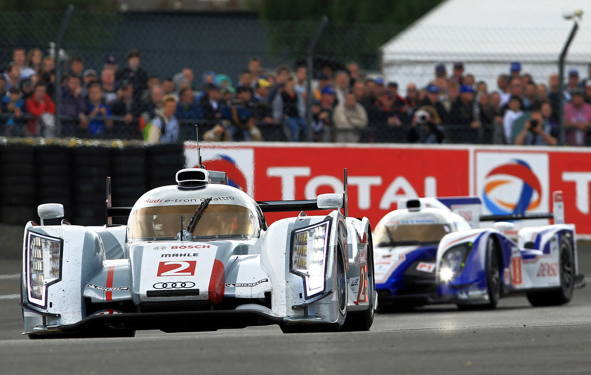 las 24 horas de le mans 2012 en dos v deos picos. Black Bedroom Furniture Sets. Home Design Ideas