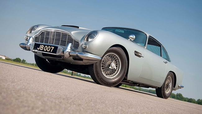 Aston_Martin_DB5_GoldenEye_03