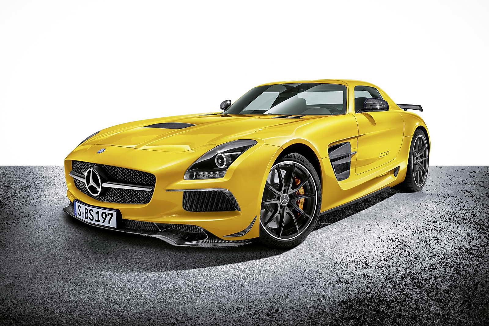 Mercedes_Benz_SLS_AMG_Coupe_Black_Series_01