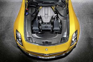 El propulsor V8 de 6,3 litros ofrece 631 CV de potencia máxima