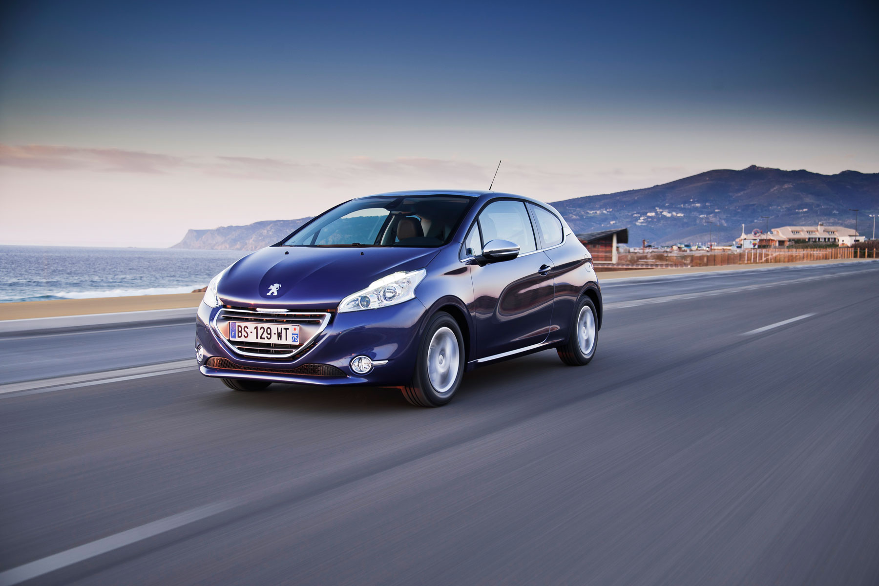 Peugeot_208_3_cilindros