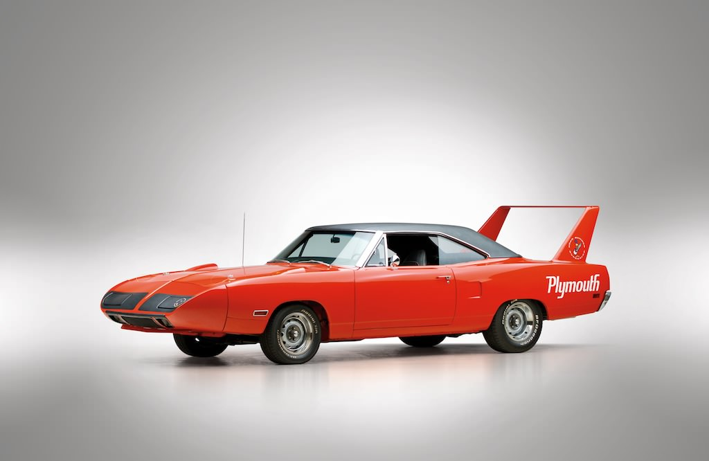 Plymouth-Road-Runner-Superbird-4