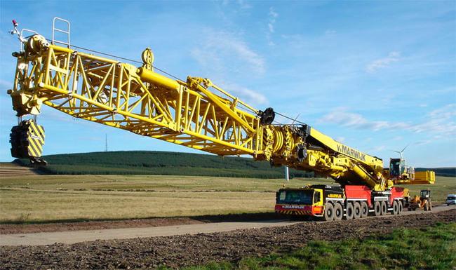 Liebherr LTM 11200 9.1 4 650x385 La grúa móvil más grande del mundo