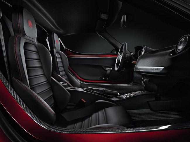 Alfa Romeo 4C interior 1
