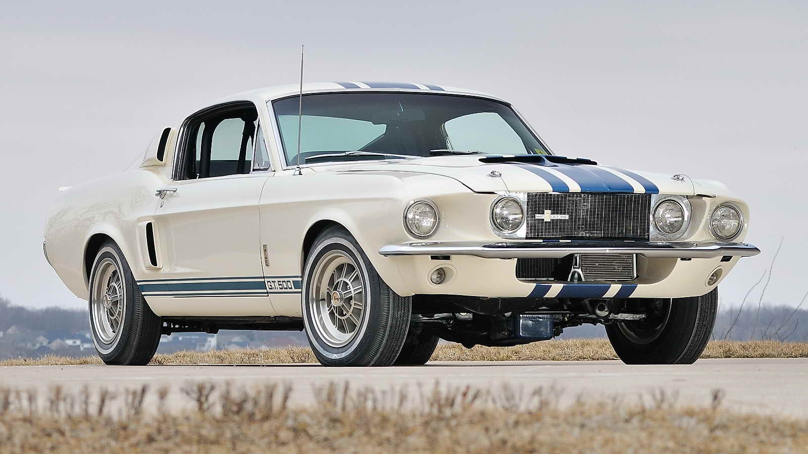 1967_Shelby_GT_500_02