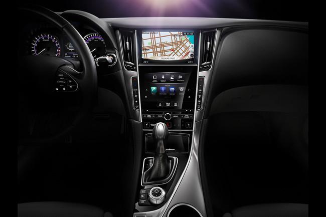 Infiniti Q50 interior detalle