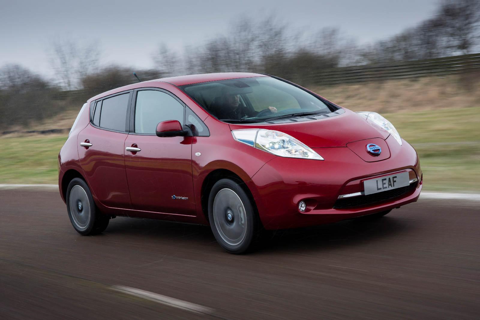 Nissan_Leaf_2013_8