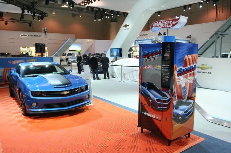 hot-wheels-camaromatic-vending-machine
