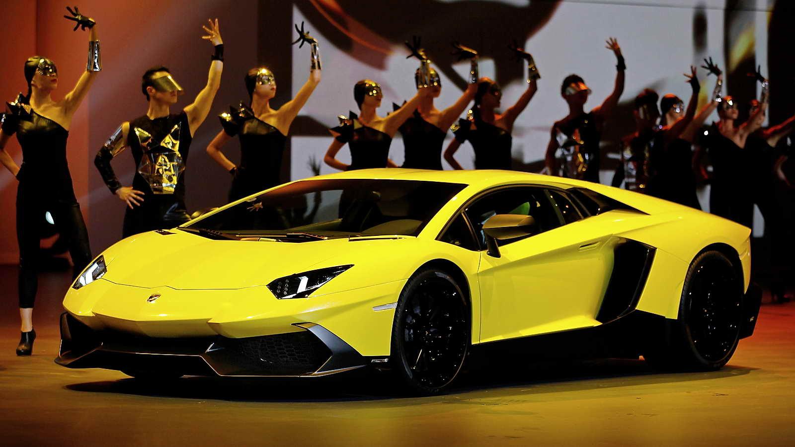 Lamborghini_Aventador_LP720-4_50_Anniversario_01