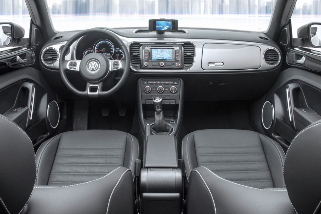Volkswagen ibeetle los alemanes muerden la manzana for Interieur up