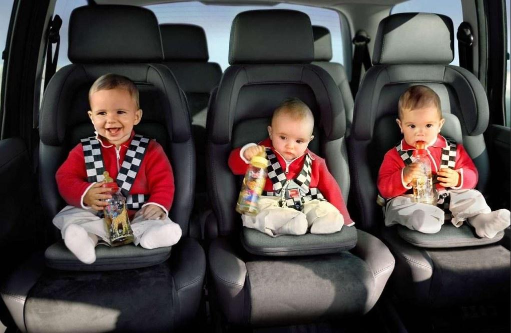 El asiento transformable que podr a acabar con las sillas for Silla de seguridad coche
