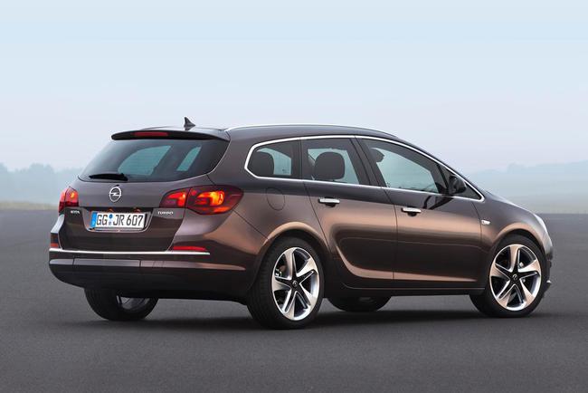 Opel Astra 16 SIDI Sports Tourer_2