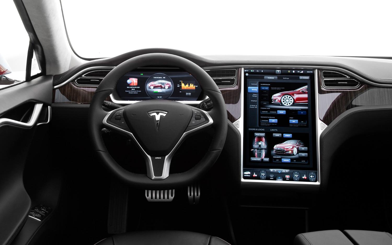 Qué debes mirar para elegir sistema de infoentretenimiento del coche